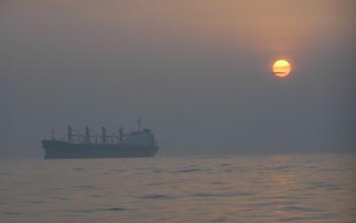 Hoy día 24, puesta de sol en velero con Getxoturismo.